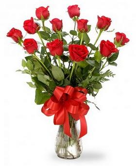 Ankara çiçekçiler hediye çiçek yolla  12 adet kırmızı güllerden vazo tanzimi