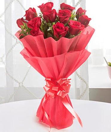 12 adet kırmızı gülden modern buket  Balgat online çiçekçi telefonları