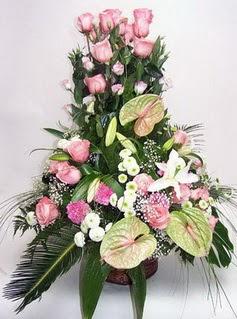 Balgat  ucuz çiçek , çiçekçi , çiçekçilik  özel üstü süper aranjman