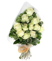 Ankara 14 şubat sevgililer günü çiçek  12 li beyaz gül buketi.