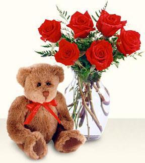 çiçek satışı ankara balgat çiçekçi  cam yada mika vazo içerisinde 6 adet gül ve ayicik
