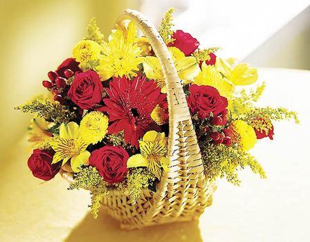 Balgat Ankara çiçek siparişi sitesi  Sepet içerisinde mevsim çiçekleri