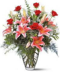 Balgat Ankara çiçek online çiçek siparişi  7 adet kirmizi gül 3 adet kazablanka
