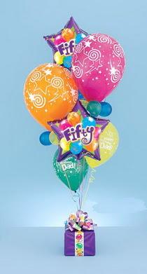 Balgat online çiçekçi telefonları  15 adet uçan balon ve küçük kutuda çikolata