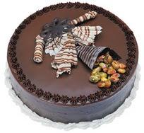 Çikolatali yas pasta 4 ile 6 kisilik  leziz  Balgat Ankara kaliteli taze ve ucuz çiçekler