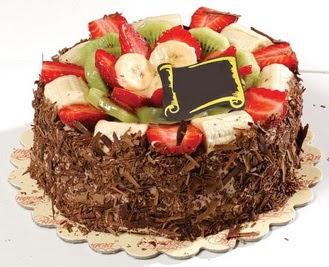 pastaci firmasindan 4 ile 6 kisilik çikolata meyvali yaspasta  Ankara internetten çiçek satışı
