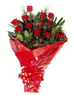12 adet kirmizi gül buketi  Ankara çiçekçi mağazası