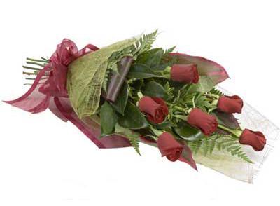 ucuz çiçek siparisi 6 adet kirmizi gül buket  Ankara internetten çiçek satışı