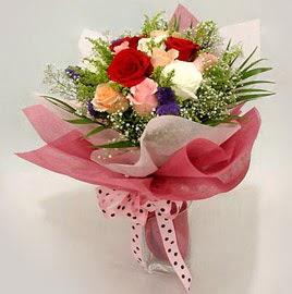 Karisik renklerde 11 adet gül buketi  Balgat çiçek gönderme sitemiz güvenlidir
