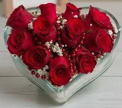 Kalp içerisinde 7 adet kırmızı gül  Balgat Ankara çiçek gönderme