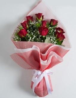 9 adet kırmızı gülden buket  çiçek satışı ankara balgat çiçekçi