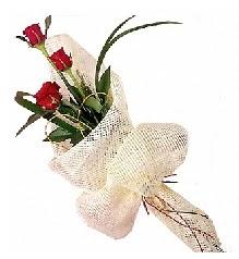 3 adet kırmızı gül buketi  Ankara güvenli kaliteli hızlı çiçek