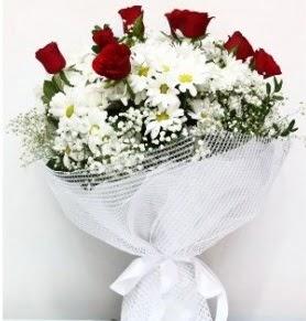 9 adet kırmızı gül ve papatyalar buketi  Balgat Ankaradaki çiçekçiler