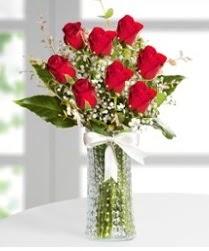 7 Adet vazoda kırmızı gül sevgiliye özel  Ankara internetten çiçek satışı