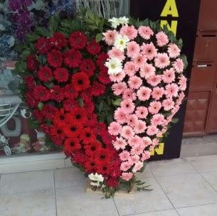 Kalp pano kalp şeklinde pano çiçeği  Ankara internetten çiçek satışı