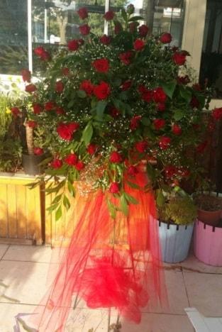 71 adet kırmızı gülden ferförje çiçeği  çiçek satışı ankara balgat çiçekçi