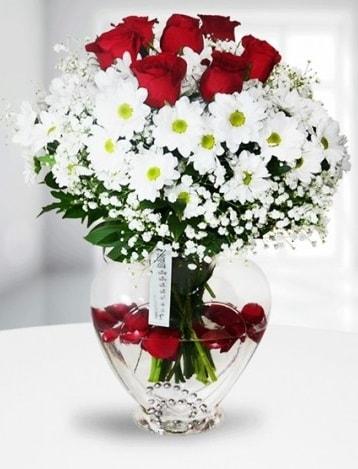 Kalp camda 7 gül kır çiçeği süper görsellik  Balgat online çiçekçi telefonları