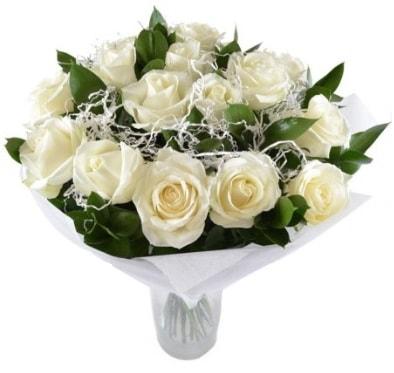 15 beyaz gül buketi sade aşk  çiçek satışı ankara balgat çiçekçi