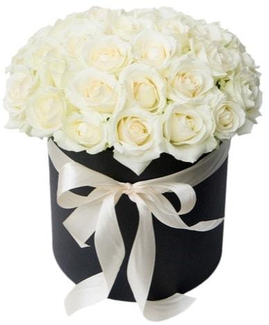 41 adet beyaz gül kutuda söz  çiçek satışı ankara balgat çiçekçi  süper görüntü
